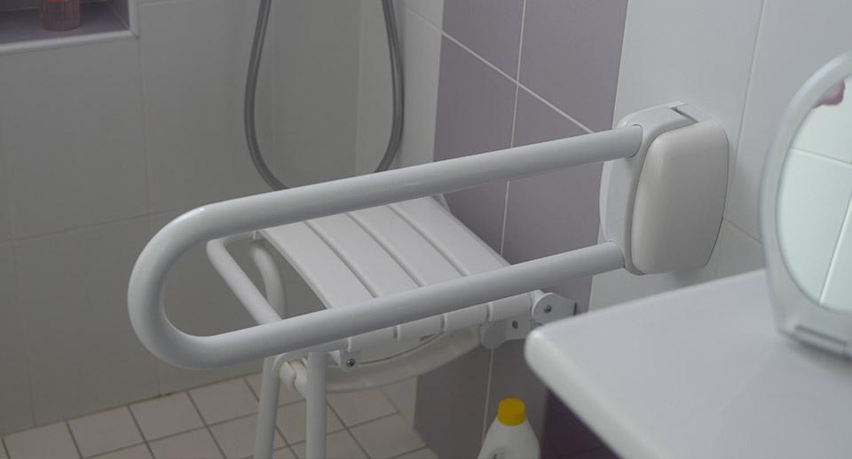 pose de salle de bain sanitaire PMR sur plabennec